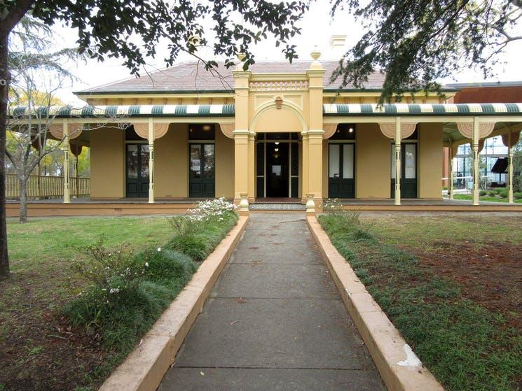 Braemar House & Gallery